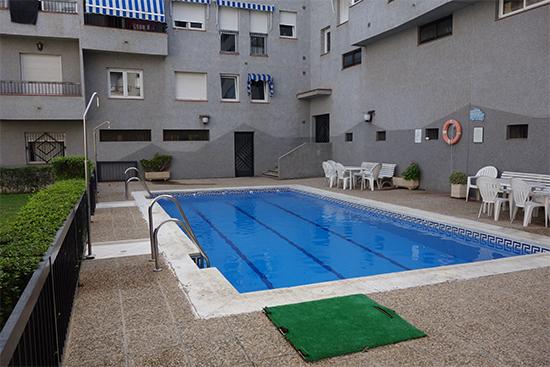 Magn fico piso en bola de oro granada look in real estate for Piscina cubierta bola de oro granada